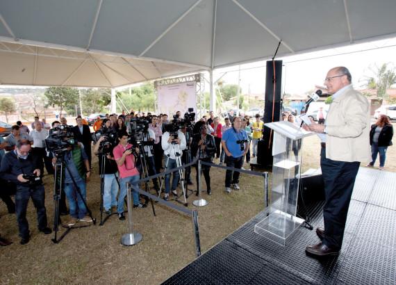 Rodovia Luis Ometto recebe obras de modernização