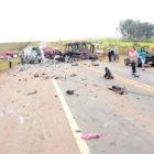 Caminhões se chocam e interditam rodovia em Iracemápolis